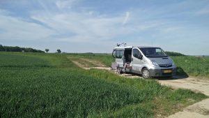 Camperbus landweggetje